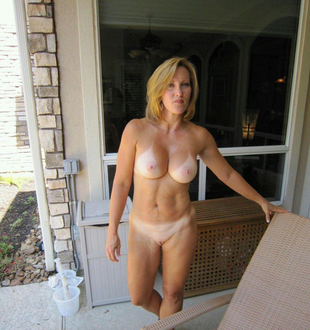 Milf free nude Hot Milf