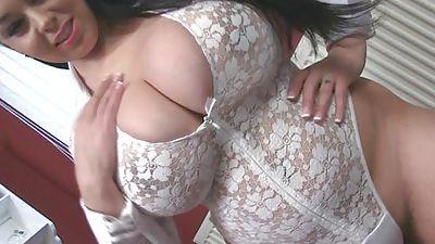 V-Mort recommendet ass massive tits