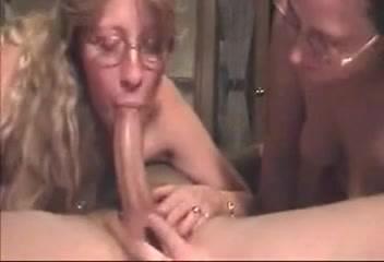 Amature milf cock suckers