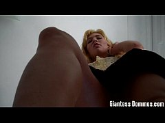 Giantess feet mmd