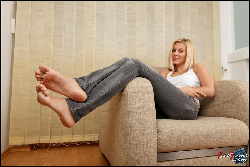 Touchdown recomended worship jeans feet