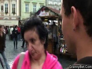 Tourist pick up