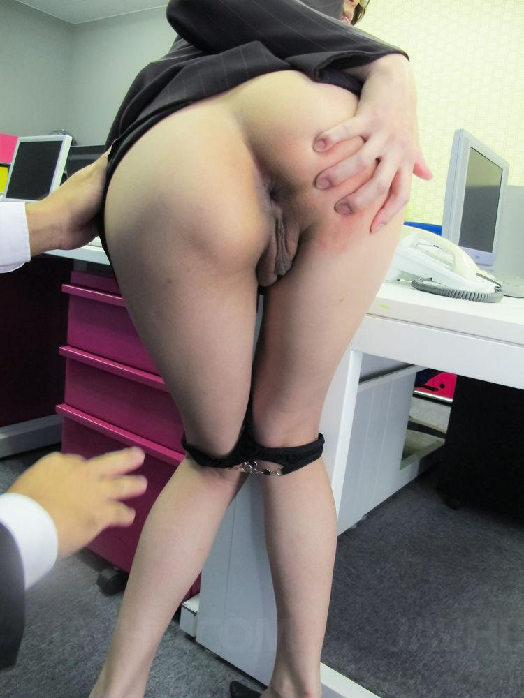 Japanese office upskirt