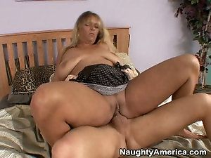 Defense reccomend Mature chubby big titted women