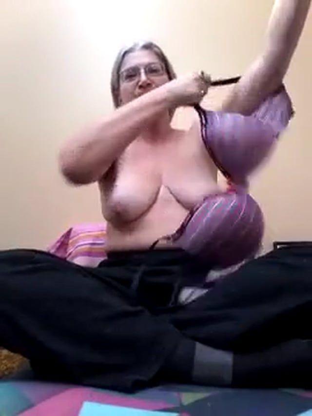 Lem /. L. recommendet bend or Milf over yoga naked