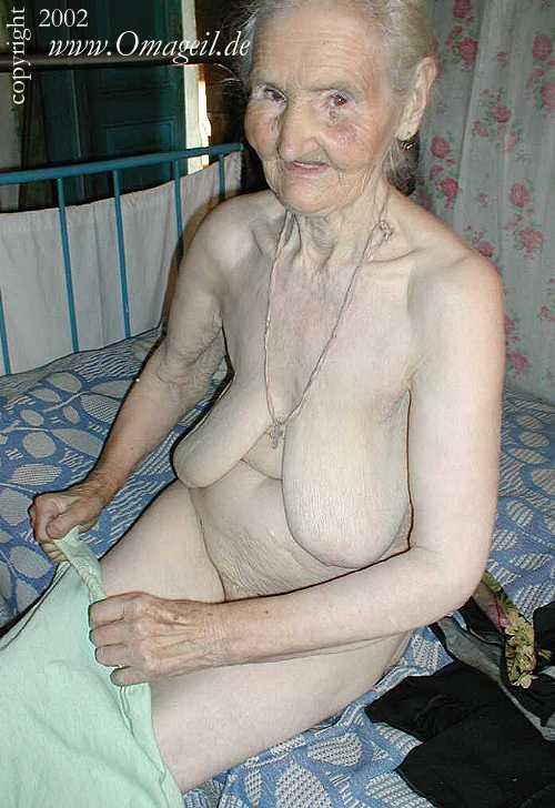 Oma porno old Granny Flash